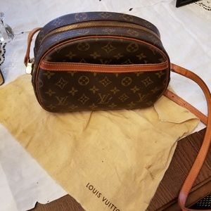 Vintage Crossbody Louis Vuitton bag